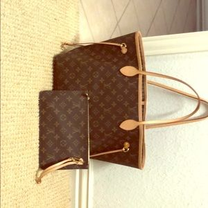 Louis Vuitton Neverful MM tote and makeup bag